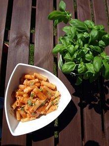 Penne z mozzarellą i pomidorami-przepis po kliknięciu w obrazek