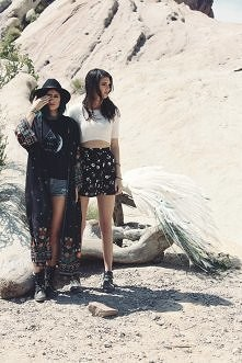 Kendall Jenner & Kylie ...