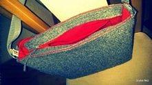 Torba na ramię z filcu, z czerwoną podszewką Wymiary i wykończenie na zamówienie. Grube Nici zapraszają na blogspot, fb, allegro :)