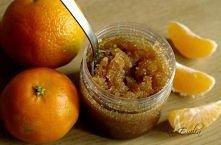 Domowy peeling mandarynkowy, idealny na zimę:)  Brązowy cukier + olej ze słodkich migdałów + sok z połowy mandarynki + opcjonalnie olejek eteryczny mandarynkowy (jeśli chcemy po...