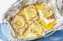 Dorsz z folii w czosnkowym maśle- pyszny i zdrowy obiad w 20 minut. Przepis znajdziesz po kliknięciu na zdjęcie :)