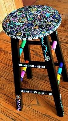 Piękny stołek do siedzenia nie sądzicie?