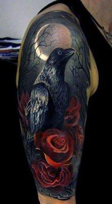 tatuaż kruka i róży