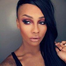 sonjdradeluxe make up <3
