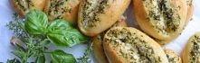 Bułki ziołowo-czosnkowe