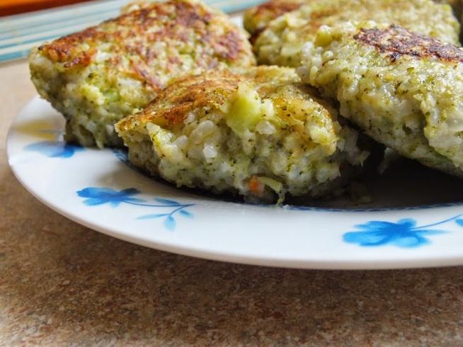 Kotlety ryżowo-brokułowe