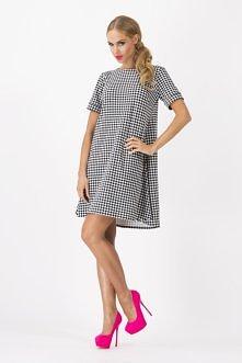 Wyjątkowa sukienka w pepitkę