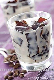 kostki mrożonej kawy zanużo...