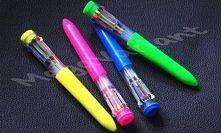 Wspaniały długopis! Kto nie próbował wcisnąć wszystkich kolorów na raz...