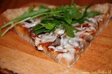 Lekka pizza na pszenno-kukurydzianym spodzie. Przepis po kliknięciu zdjęcia :).