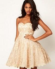 piękna wytłaczana sukienka ♡