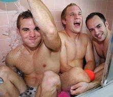 Trzej bracia sprawili mamie...