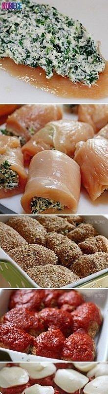 Roladki z Kurczaka ze Szpinakiem i Mozzarellą...pychota Farsz: 1 łyżka masła, 250 g szpinaku (może być mrożony), 2 ząbki czosnku, 100 g mozzarelli , sól, pieprz. Na patelni rozp...