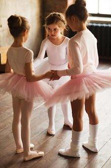 baletnice :) aż mi się przy...