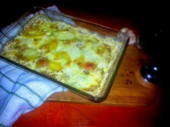 UWAGA - przepis tylko dla osób nie będących na diecie;)  ziemniaki zapiekane w śmietanie  Przepis znajdziecie klikając w zdjęcie a więcej pomysłów na ciekawe dania na facebooku: bo lubię jeść!