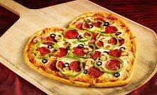 Walentynkowa mega pizza w k...