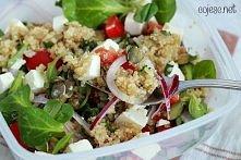 Zdrowy lunchobox do pracy i szkoły: sałatka z quinoa i fety