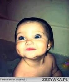 Pomocy!!! Pomóżcie wybrać imię dla córeczki :):):) Alicja czy Julia ? Które ładniejsze ?
