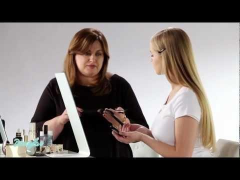 Modelowanie twarzy za pomocą makijażu - Tutorial Akademii Makijażu Douglas