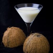 Drink Malibu  składniki:  - 200 g. wiórek kokosowych - 0,7 l. wódki - 2 puszki mleka skondensowanego słodzonego  przygotowanie:  Wiórki wsypujemy do litrowego słoika i zalewamy ...