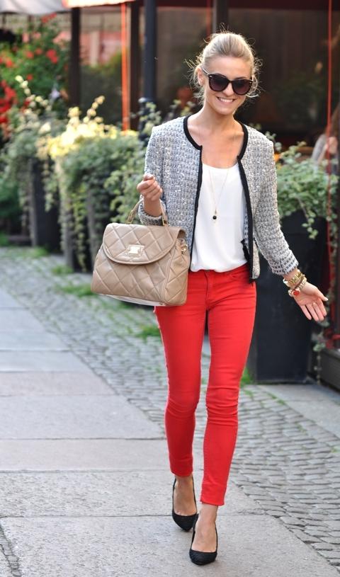 Kolejnym must have są kolorowe spodnie polecam !!