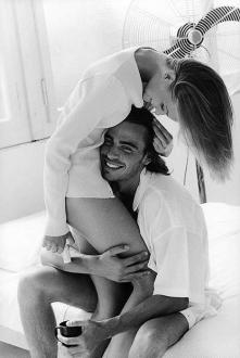 ♥ Miłość to nie pluszowy miś ani kwiaty. To też nie diabeł rogaty.  Ani miłoś...