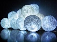 Cotton ball lights DIY ( tym razem z bandaża) Szczegóły na barbea.blogspot.com