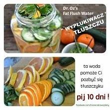 zdrowa woda :) grejpfrut , pomarańcz, ogórek oraz mięta zostawiamy na noc i p...