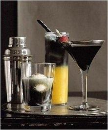Czarne Martini Składniki czarna wódka (30 ml) sok wiśniowy (60 ml) maliny lub...