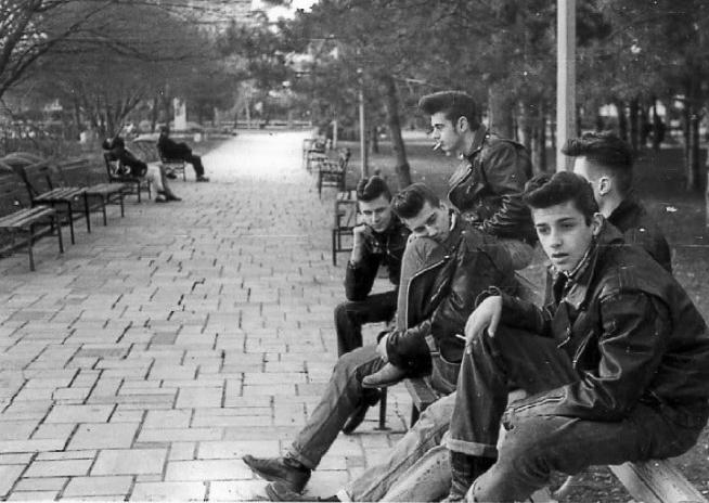 Zdjęcie młodzieży z Nowego Jorku, rok 1950.