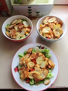 salatka paryska z kurczakiem i chipsami z ziemniaków :) niemarysia.wordpress.com