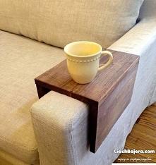 Drewniana półka na sofę