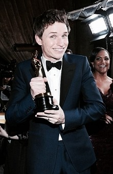 Eddie Redmayne z Oscarem :)