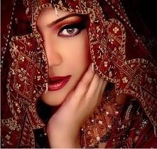 Piękny makijaż w stylu boll...