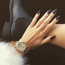 Nailsblack