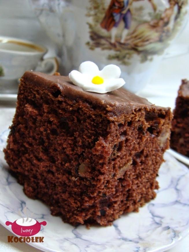 """Ciasto czekoladowe """"Placek najlepiej smakuje na drugi dzień. Jest idealnie wilgotny i czekoladowy."""" Przepis po kliknięciu w zdjęcie ;)"""