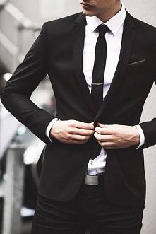 Uwielbiam facetów w garniturach *,*