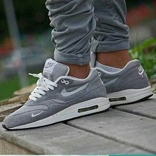 Nike :#