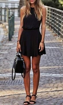 gdyby ktos widział takie sandałki gdzieś to byłabym wdzięczna za wiadomość :) a ogólnie stylizacja bezpieczna raczej :)