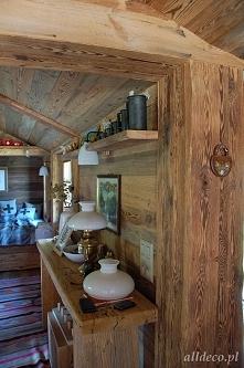 stare drewno na ścianach