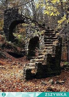 ogród w stylu władcy pierścieni....