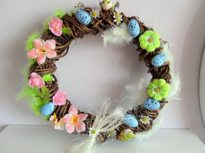 Wielkanocno Wiosenny Wianek Idealny Do Zawieszenia Na