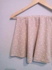 Pudrowa spódniczka w serduszka do sprzedania :)