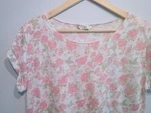 koszulka/mgiełka w róże do sprzedania :) oversize więcej info pw :) NEW LOOK