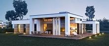 Projekt luksusowej willi dla rodziny z dziećmi. Dom został zaprojektowany na ...