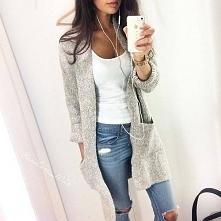Stylizacja :3 biała bluzka, szary długi sweterek, jeansy z dziurami