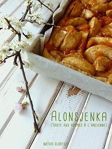 Alonsjenka (Tarte aux pommes à l'ancienne), Wygląd wypieku nie jest może perfekcyjny... ale za to smak już tak! Połączenie jabłek z konfiturą morelową bardzo pozytywnie mni...