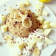 1 jajko 1 dojrzały, mały banan 3 łyżki płatków owsianych 1/2 łyżeczka cynamon...