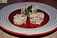 Ryżowa sałatka z szynką,kalafiorem i serem