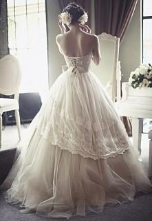 Jak suknia ślubna to tylko z gorsetem *.*